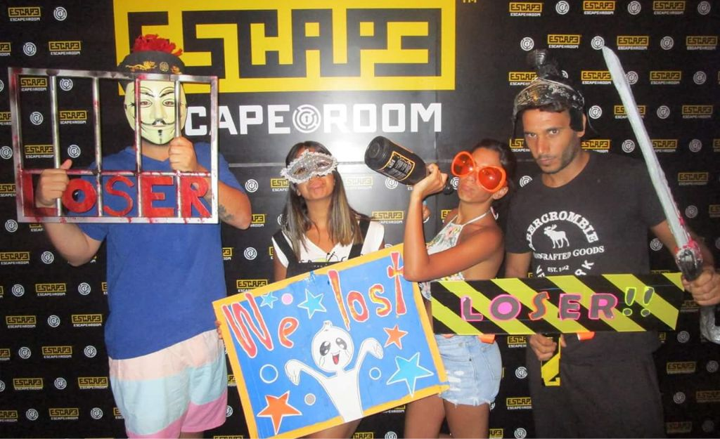 escape room party photo