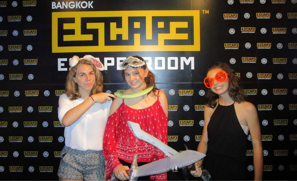 escape room girls