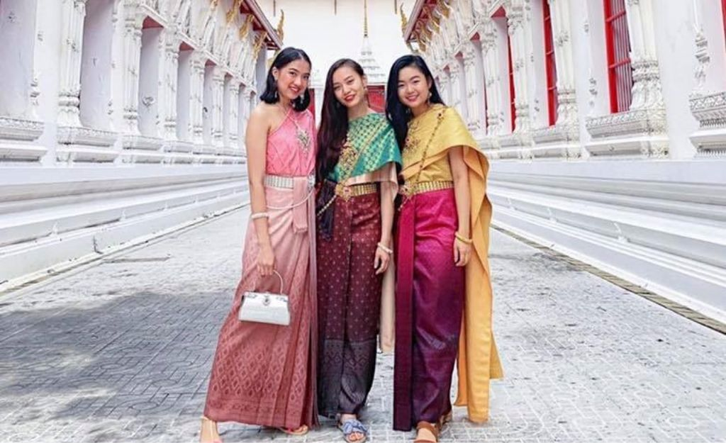 womans at traditional thai costume